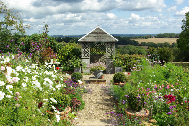 Brightling Country Garden - Picture 2